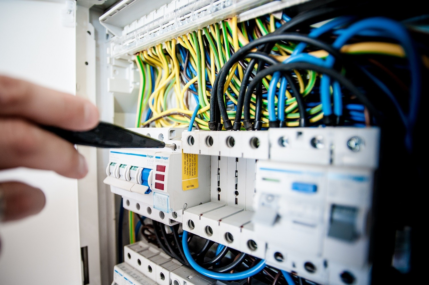 Electrical Maintenance & Installation Services 1